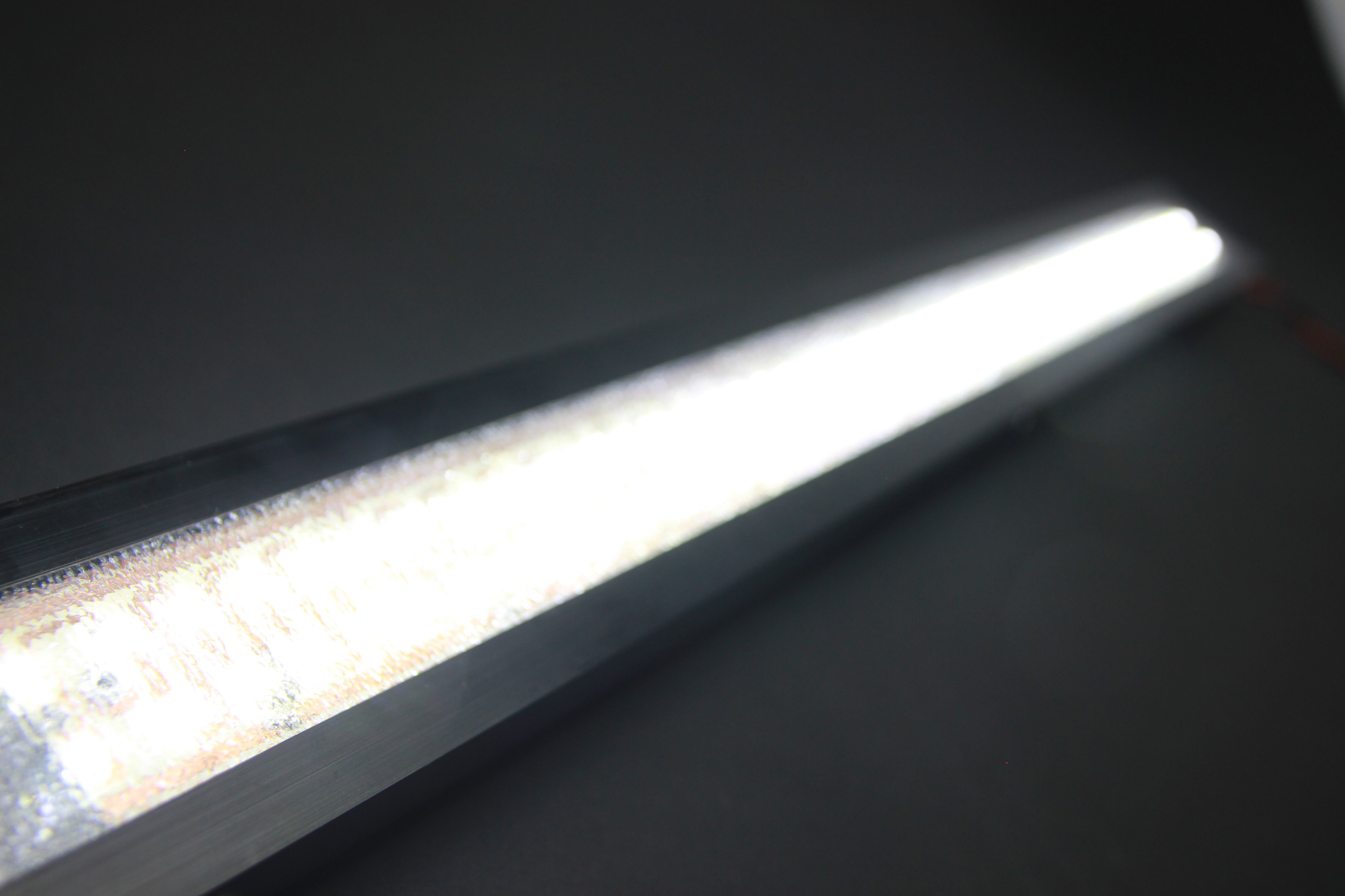 Slim witronix LED